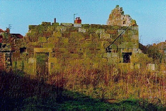 The ruins of Shotton Hall Farm in 1986